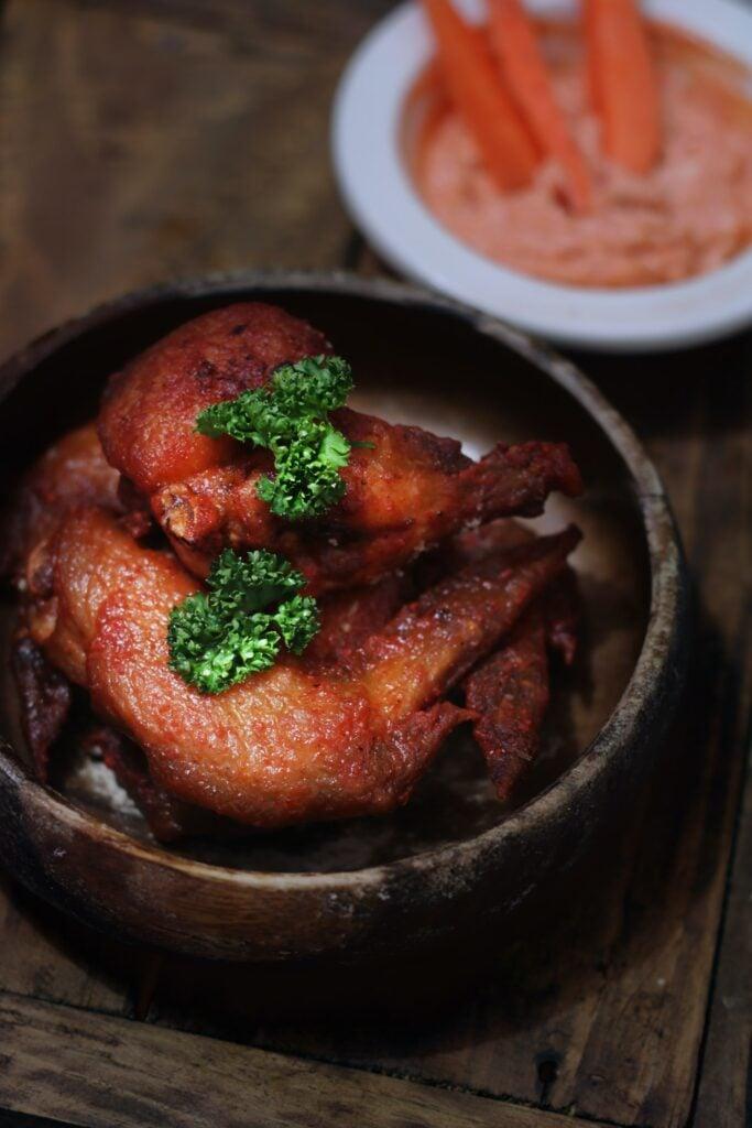 Wie lange brauchen Hähnchenschenkel im Ofen?