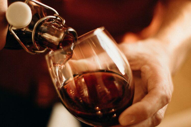 Kann man alten Wein noch trinken?