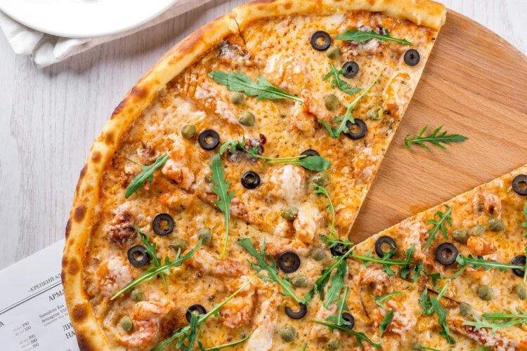 Wie lange muss Pizzateig gehen?